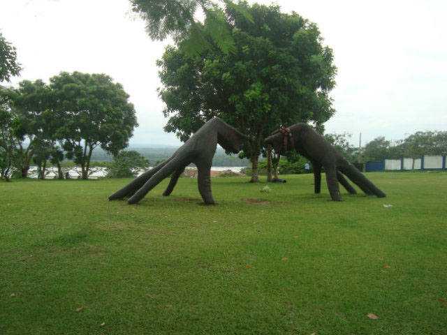 sculpture of hands in Calabar